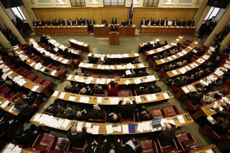 Croatia dissolves parliament ahead of election by July 12
