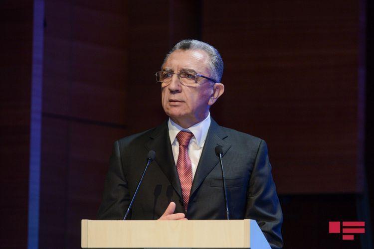 Eldar Azizov calls on Baku residents to wear masks