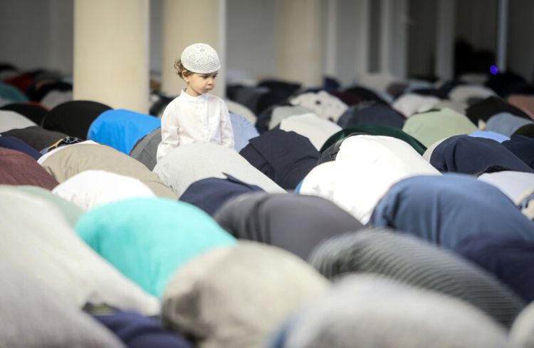 Eid al-Adha and Eid al-Fitr to become state holidays in Ukraine