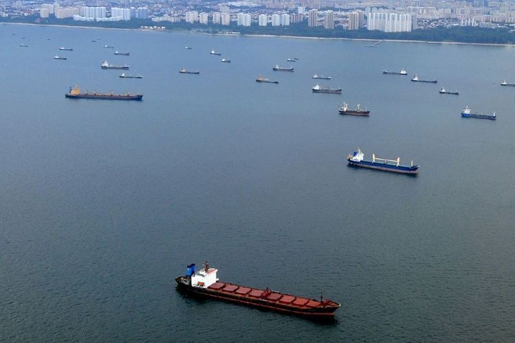Four VLCCs heading to US Gulf to store crude