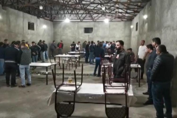 Bakıda karantin qaydalarını pozan restoran aşkarlanıb, 32 nəfər saxlanılıb - VİDEO