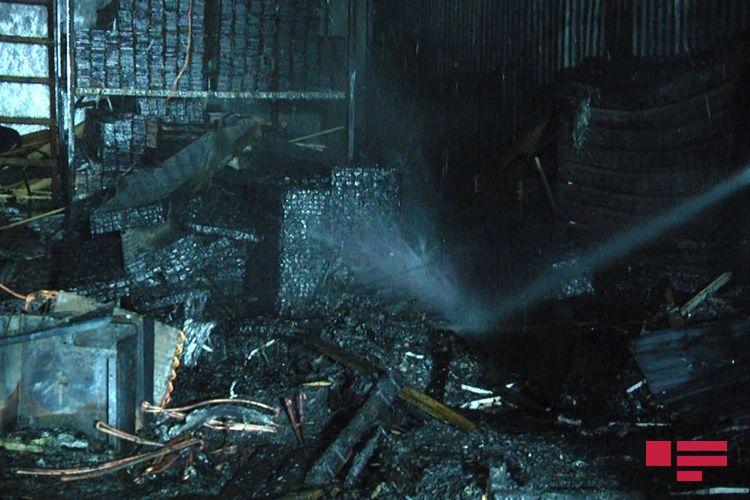 Bakıda taxta bazarında baş verən yanğın söndürülüb - FOTO - YENİLƏNİB
