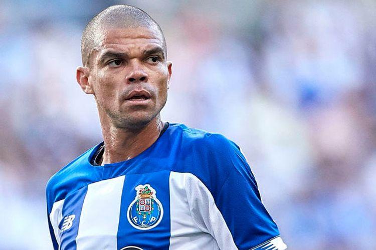 Pepe 37 yaşında 2 illik yeni müqavilə bağlayıb