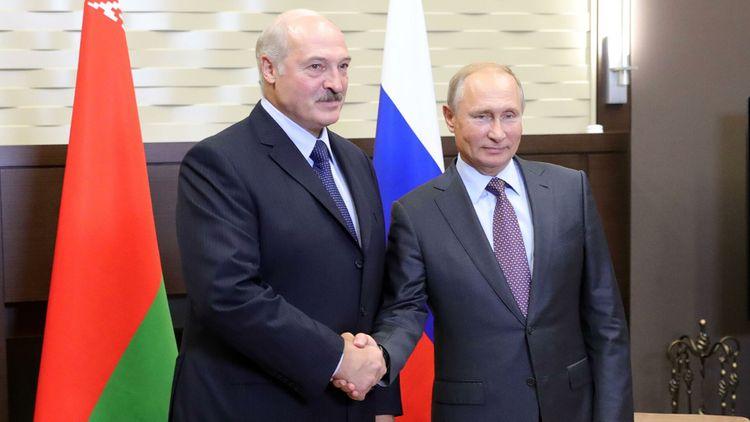 Путин поддержал идею Лукашенко купить месторождение нефти в России