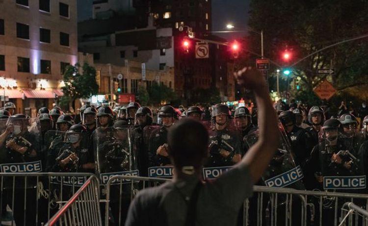 В Нью-Йорке начались задержания протестующих