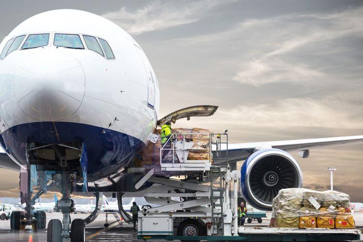Hava nəqliyyatı ilə qlobal yükdaşımalar sentyabrda 8% azalıb