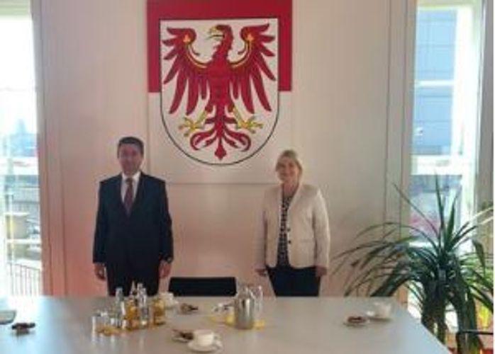 Azərbaycanın Almaniyadakı Səfiri Brandenburq federal torpağının Landtaqının prezidenti ilə görüşüb