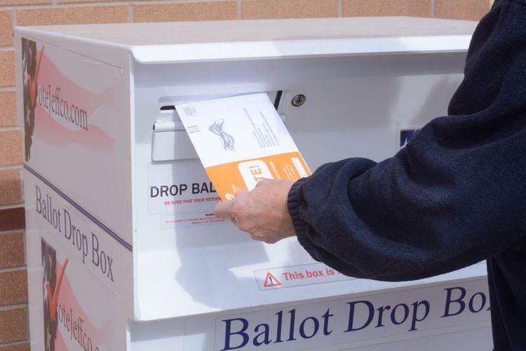 В США будут дважды проверять почтовые отделения, где принимают бюллетени