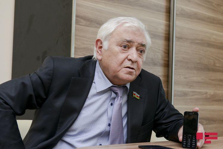 Депутат предложил сделать бесплатным проезд в общественном транспорте для полицейских и военнослужащих