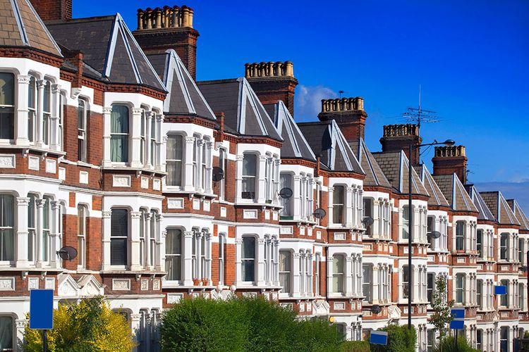 Böyük Britaniyada oktyabrda evlərin qiymətində son 4 ilin ən kəskin artım dinamikası qeydə alınıb