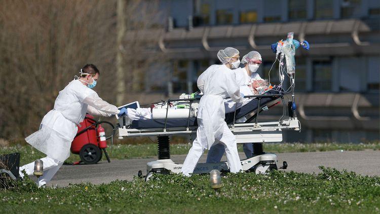 Франция обновила рекорд по суточному приросту случаев коронавируса