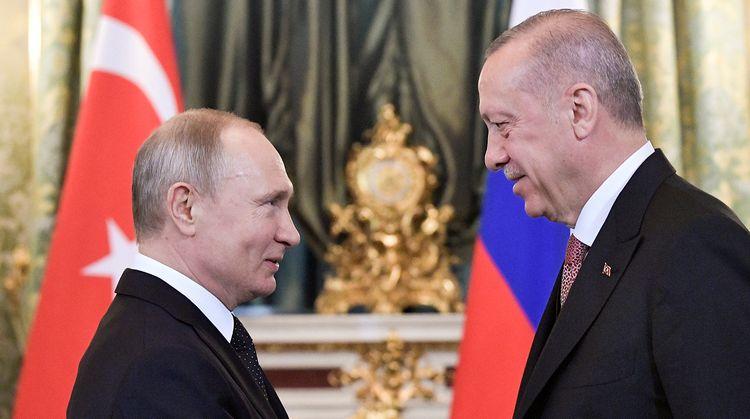 Путин обсудил с Эрдоганом ситуацию в Карабахе
