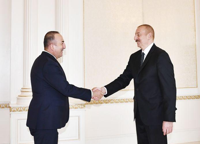 Президент: Весь мир, все, кто любят и не любят нас, еще раз убедились в нерушимости и вечности азербайджано-турецкого единства