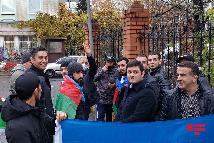 Азербайджанцы в Москве с радостью восприняли новость об освобождении Шуши - ФОТО