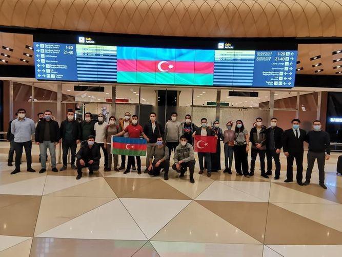 Для оказания медицинских услуг нашим военнослужащим из Турции в нашу страну приехали добровольно еще 20 азербайджанских врачей