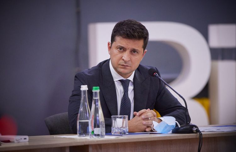 Zelensky contracts Covid-19, self-isolates himself
