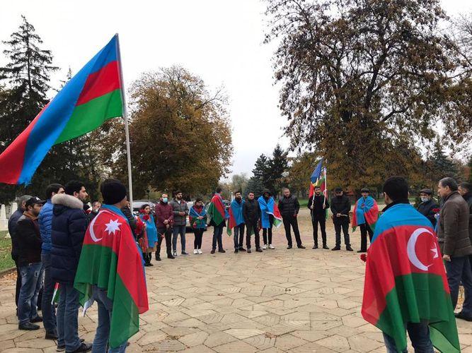 Moldovada yaşayan azərbaycanlılar Dövlət Bayraq Gününü qeyd ediblər - FOTO