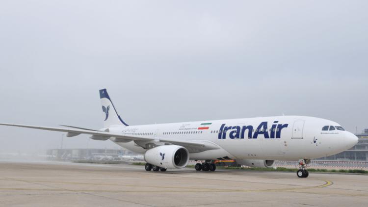 В Иране самолет совершил аварийную посадку