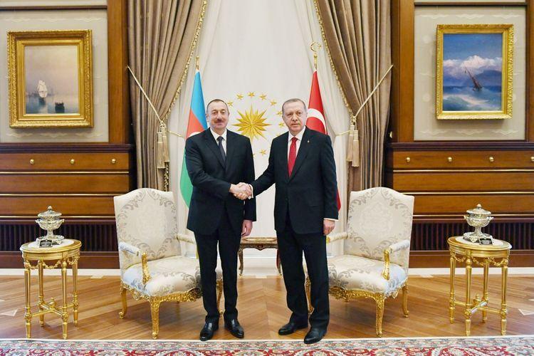 Azerbaijani and Turkish Presidents hold phone conversation