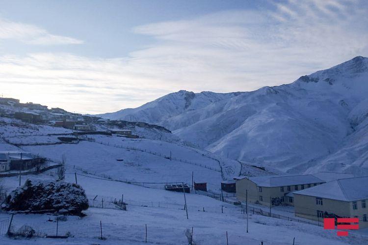 В северных и восточных районах ожидаются ливни, в горных районах - снег - ПРЕДУПРЕЖДЕНИЕ