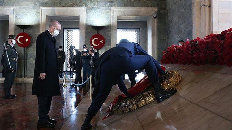 Erdogan commemorates Ataturk
