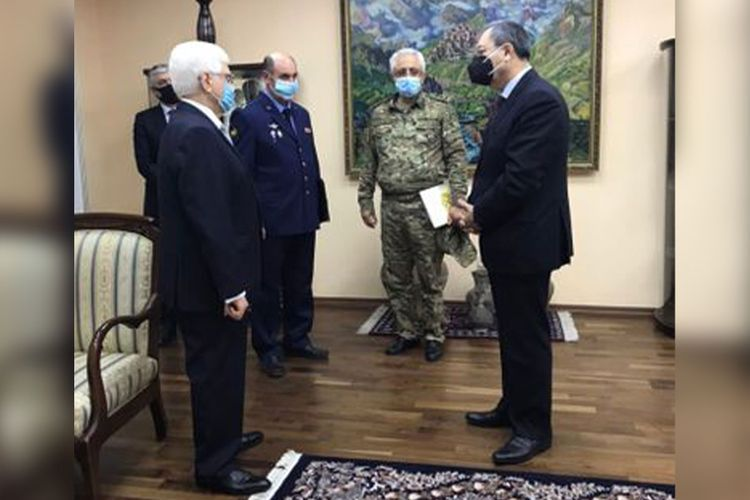 Deputy Ministers express condolences to Russian Embassy in Azerbaijan