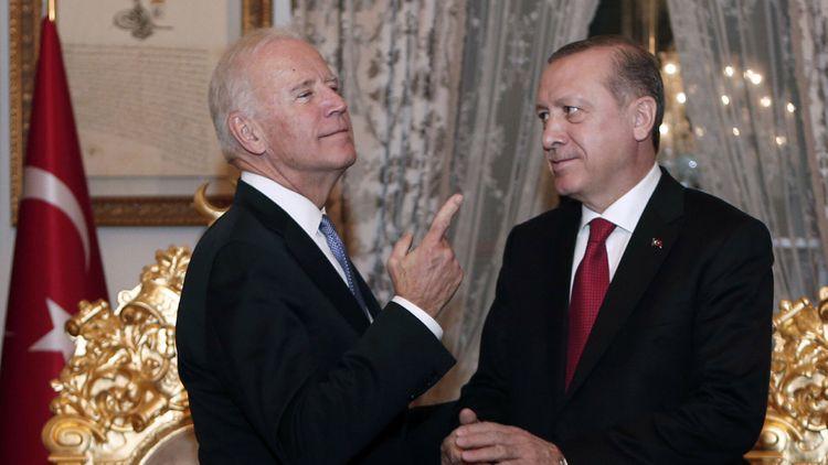 Эрдоган поздравил Байдена с избранием президентом США
