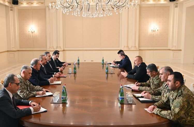 Президент Ильхам Алиев принял главу МИД, Минобороны и начальника Национальной разведывательной организации Турции