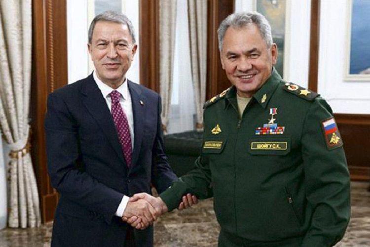 Министры обороны России и Турции обсудили карабахское урегулирование