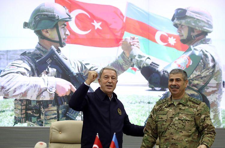 Министр обороны Турции: Мы и в дальнейшем будем поддерживать наших азербайджанских братьев в их справедливой борьбе
