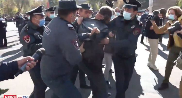Protest rally being held in Armenia demanding PM resignation, there are detainees