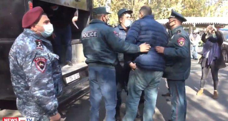 Ermənistanda Paşinyanın istefası tələbi ilə keçirilən aksiyada 129 nəfər saxlanılıb