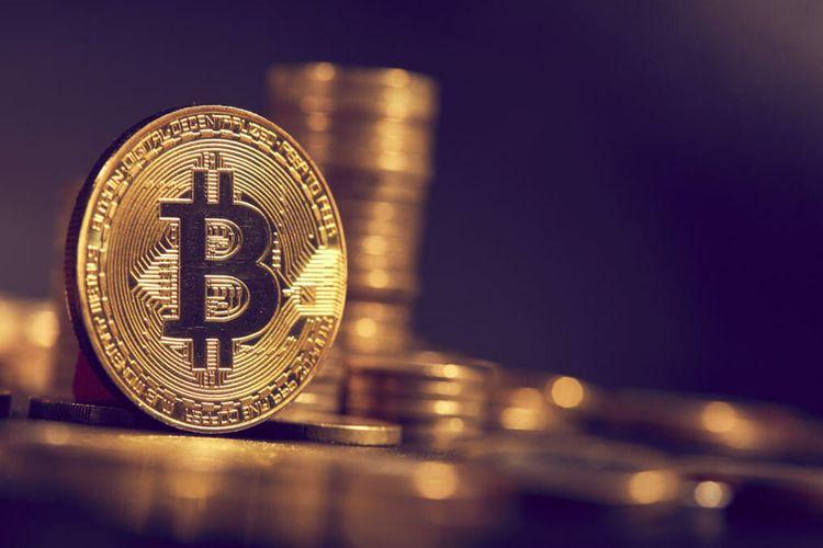 """""""Bitcoin""""in dəyəri 16 min dolları ötüb"""