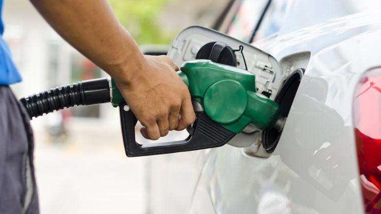 Azərbaycanda avtomobil yanacağının satışları 1,5% azalıb