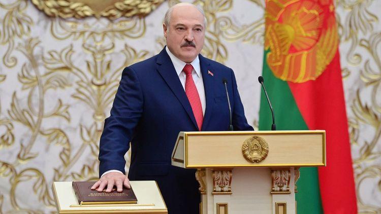 Лукашенко пообещал никогда не предавать Россию