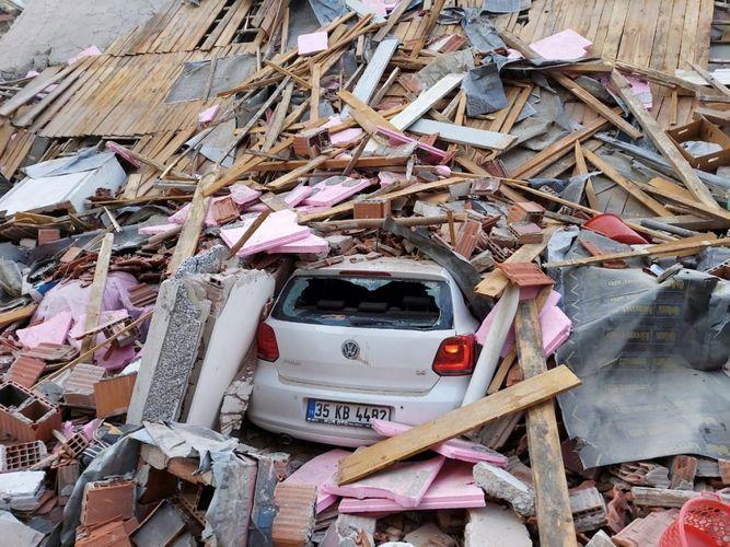 Число погибших в результате землетрясения в Измире достигло 116 человек