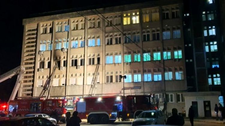 Десять человек погибли при пожаре в отделении для пациентов с COVID-19 в Румынии