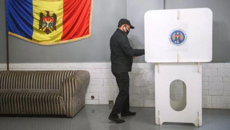 В Молдове начался второй тур президентских выборов
