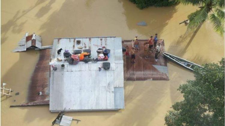 На Филиппинах число жертв тайфуна «Вамко» возросло до 67