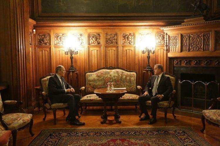 Главы МИД РФ и Азербайджана обсудили работу миротворческого контингента в Карабахе
