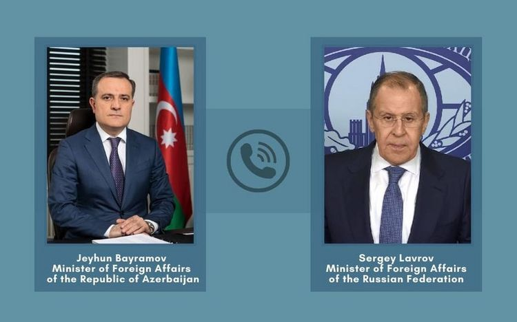 Azerbaijani and Russian FMs hold phone conversation