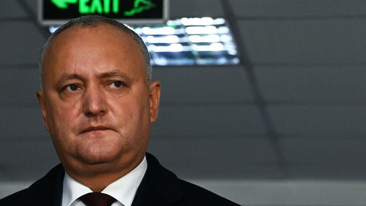 Додон заявил, что лидирует на голосовании внутри Молдавии