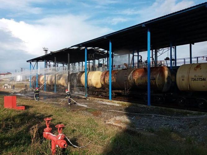 Batumidə neft terminalında yanğın baş verib