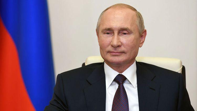 Putin Moldovada prezident seçkilərində qalib gələn Maya Sandunu təbrik edib