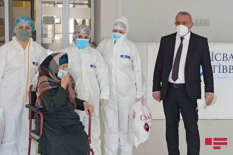 В Азербайджане 110-летняя женщина вылечилась от коронавируса