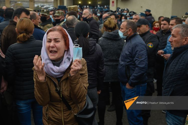 Armenians demand from Ministry of Defence their missing ones in Karabakh