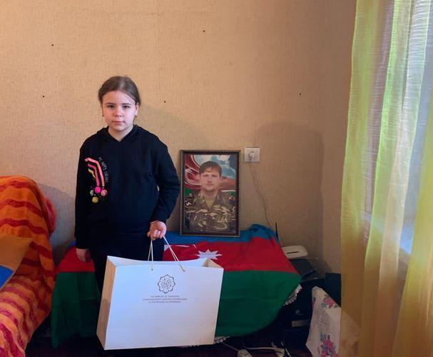 Сотрудники Министерства навестили семью шехида Дениса Пронина - ФОТО