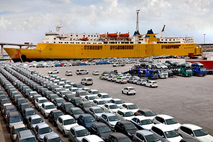 В январе-октябре импорт автомобилей в Азербайджан увеличился на 21%