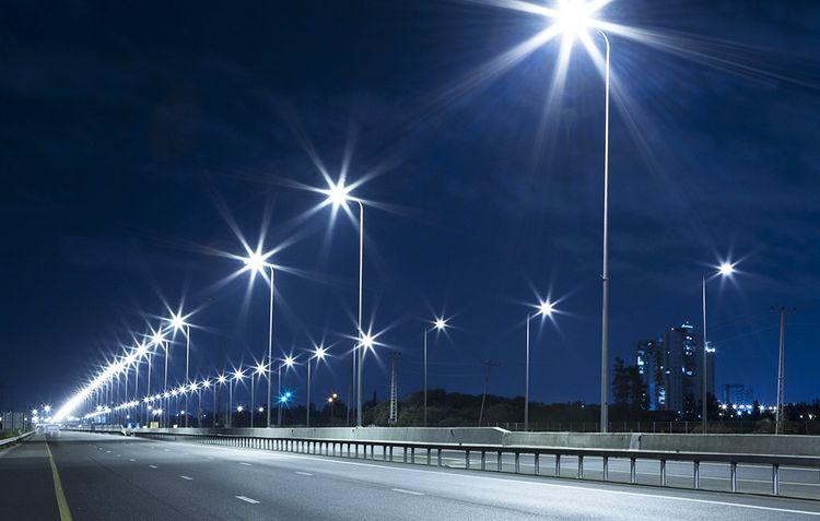 Azərbaycanda istehsal olunan LED lampalar üçün yeni korpuslar sınaqdan keçirilib