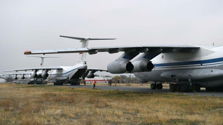 За последние сутки в Ереван прибыли 22 самолета с российскими миротворцами